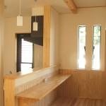 床と腰壁は杉板を使用